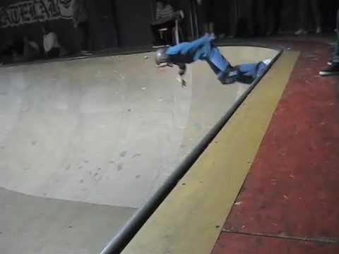 13yr old girl skater AbbyZace skates Bowl comp at SkateLab