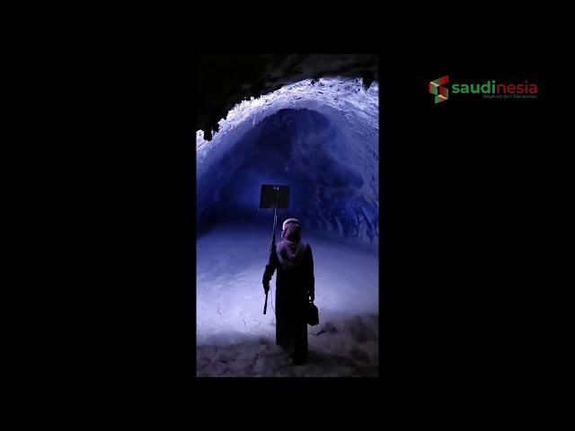 Viral Video Penemuan Gua Terbesar di Arab Saudi