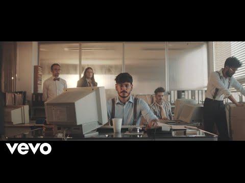 Videoclip Con Los Pies En El Suelo - Cepeda