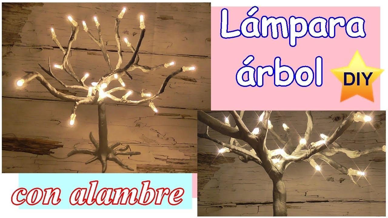 Lámpara árbol hecha con alambre y pasta flexible. Con luces LED