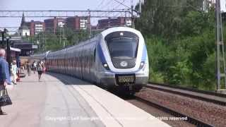 preview picture of video 'SL X60 commuter trains at Huddinge station'