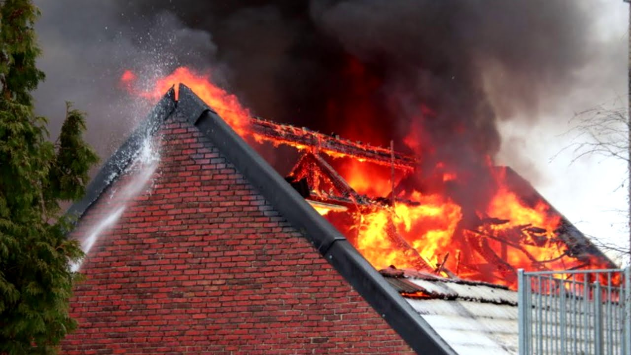 Grote brand Tegelseweg in Venlo. Brand Venlo vandaag
