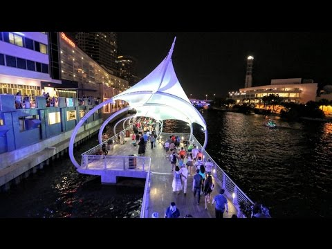 Video Tampa / FL in Downtown on the Riverwalk HD