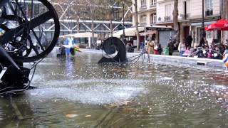 preview picture of video 'Paris - Fontaine Stravinsky ou des Automates [Fontana/fountain Pompidou] Canon Powershot Sx 230 test'