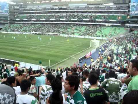 """Otra vuelta"" Barra: La Komún • Club: Santos Laguna"