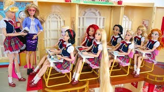 Barbie Rapunzel School Morning Routine School Life Kehidupan sekolah boneka Barbie Vida Escolar