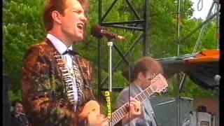 Chris Isaak - Blue Hotel [LIVE Pinkpop 1987]
