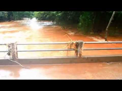 Enchente em Barbosa Ferraz 06 06 2014