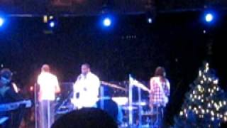 Brian McKnight and Sons- Let It Snow (live)