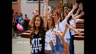 La mejor coreografia del mundo realizado por chicos de secundaria