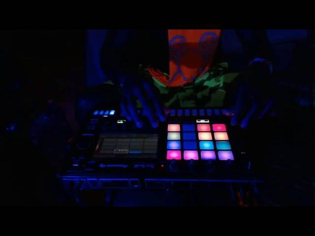 Pioneer DJ Toraiz SP-16 Techno Live Jam