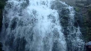 Водопад на реке Пещерка.MOV