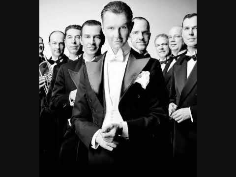 Max Raabe & Das Palast Orchester - Sex Bomb