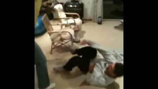 Ari beats Pari with a spoon causing severe blood trauma