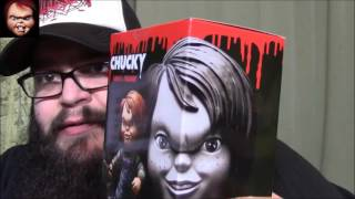 Mezco Chucky Vinyl Figure Review