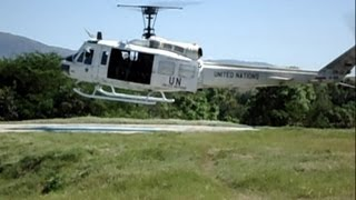 preview picture of video 'Bell Huey UH-1 Helicopter Start up Dust off  - Mirabalais - Haiti'