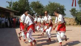 preview picture of video 'Les creus - Danses del ball de bastons de Sant Pere de Ribes'