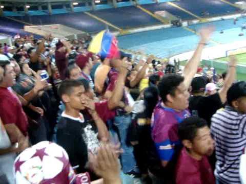 """""""Vzla 3 - Peru 1   Vaaamooss venezolaaanoosss!!! (8)"""" Barra: Guerreros Chaimas • Club: Monagas"""