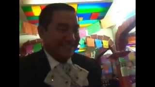 preview picture of video 'México - D.F - Plaza Garibaldi - ¿Manuel el valiente? - 16.07.14'