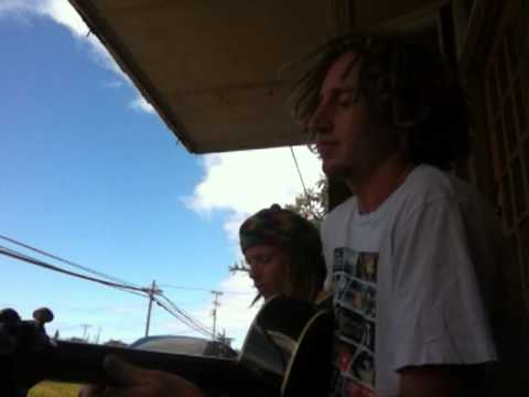"J & Rabbit ""Seaweeds"" in Paia @ Jerry's spot"