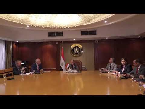لقاء المهندس/عمرو نصار وزير التجارة والصناعة مع سفير اليونان بالقاهرة