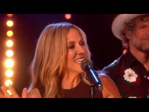 """Sheryl Crow @ the Graham Norton Show (""""Still The Good Old Days"""" + Interview)"""