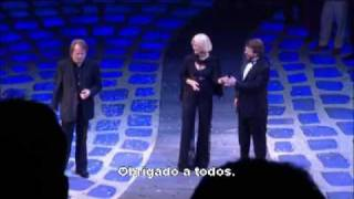 Frida sings Dancing Queen on the backstage of Mamma Mia - portuguese subtitle