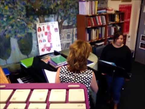 Suzanne Galer teaching a Classical Voice Lesson