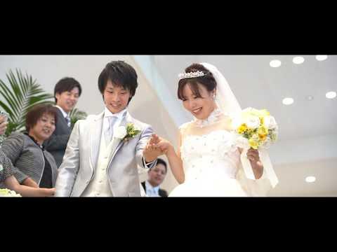 新郎から花嫁へバッティングトス♡おふたりの好きな野球をテーマに取り入れたみんなが笑顔になるおふたりらしいウエディング-長岡ベルナール