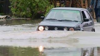 Torrential rain in Bosnia floods hundreds of homes