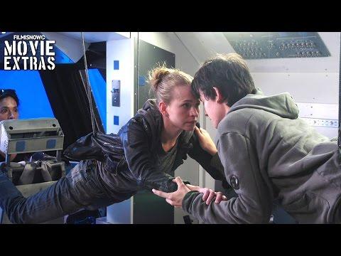 Go Behind the Scenes of The Space Between Us (2017)