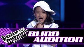 Mikayla   Coke Bottle | Blind Auditions | The Voice Kids Indonesia Season 3 GTV 2018