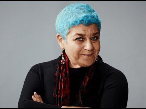 Dietro le quinte del teatro. Intervista a Serra Yilmaz
