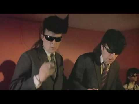 09 - Chasing The Light - Leningrad Cowboys Go America [***VIDEO CUTE***]