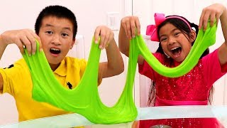 Emma & Andrew Pretend Play Making Colorful Satisfying Slime