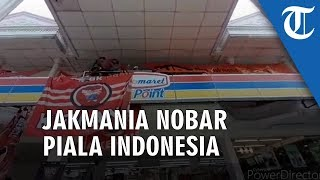 Video Puluhan Jakmania Gelar Nobar Final Piala Indonesia di Indomaret Kemang