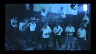 Popurri De Cumbias - La Reyna de Monterrey  (Video)