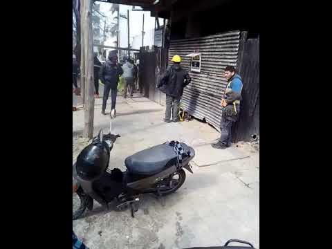 Protesta violenta de afiliados de UOCRA en obra particular de barrio norte platense