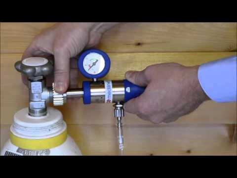 Austausch einer Sauerstoffflasche Medizinischer Sauerstoff