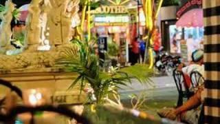 バリ島の観光地クタの夜景