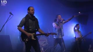 Gambar cover Absolute5 - Medley (La Bamba, Twist And Shout) Live