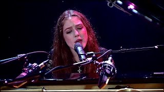 Birdy performs Not About Angels