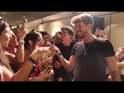"Carlos Right Canta ""Se Te Nota"""