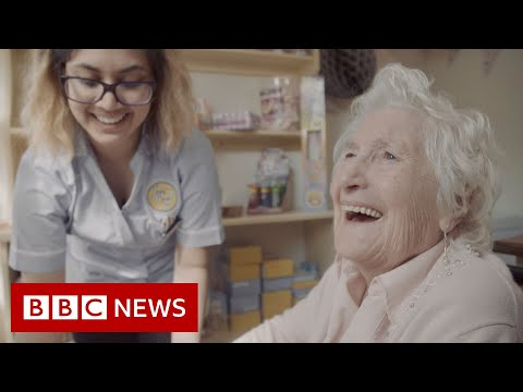The street helping people with dementia to remember - BBC News