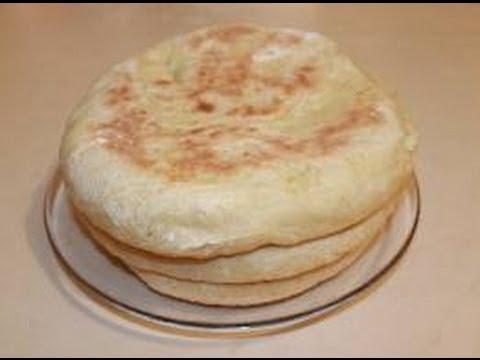 Le pain alimentation de base des peuples cuisson des galettes