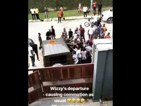 Wizkid's departure from Bankyw's birthday party caused serious commotion |
