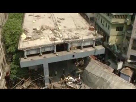 Ινδία: Νεκροί, τραυματίες και εγκλωβισμένοι από κατάρρευση αερογέφυρας
