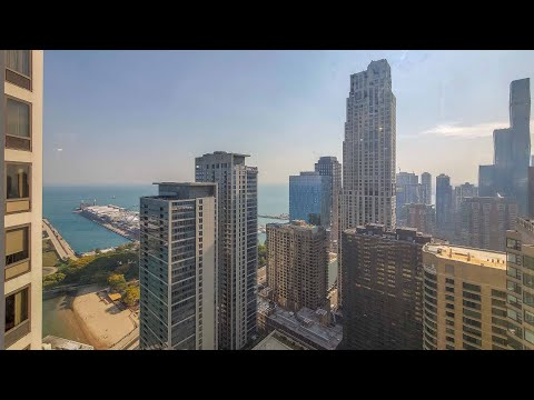 A Streeterville -13 2-bedroom steps from the beach at Axis