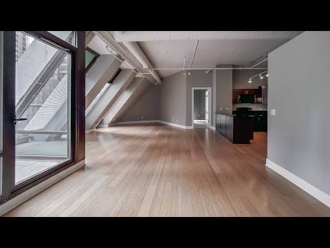 A Streeterville 2-bedroom loft steps from the beach at Axis