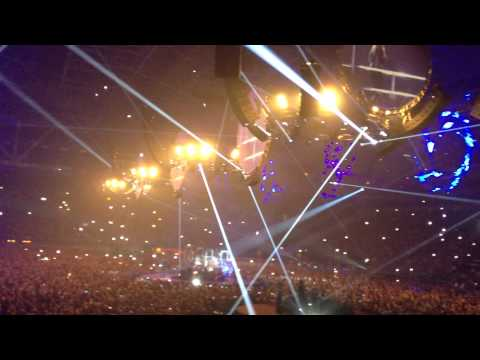 Anouk - Lost (Live in Gelredome 8-3-2012)